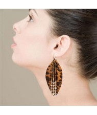Leopeard Prints Leather Leaf with Crystal Beads Design High Fashion Women Earrings