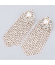 Artificial Pearl Inlaid Glistening Tassel Chains Design Model Choice Women Fashion Earrings - Golden