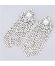 Artificial Pearl Inlaid Glistening Tassel Chains Design Model Choice Women Fashion Earrings - Silver