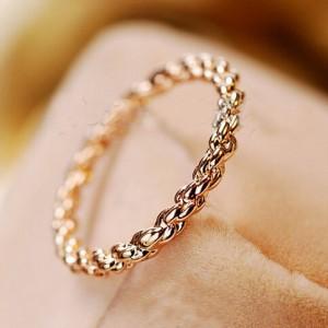 twist design 18k gold finger ring