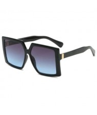 7 Colors Available Bold Square Frame Design High Fashion Lady Sunglasses