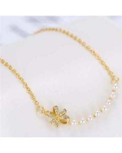 Pearl and Bowknot Combo Korean Fashion Unique Design Women Fashion Necklace - Golden