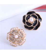 Pearl and Rhinestone Inlaid Flower Asymmetric Design Enamel Women Stud Earrings - Black