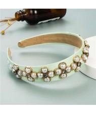 Pearl Flowers Embellished Baroque Design Vintage Fashion Hair Hoop - Green