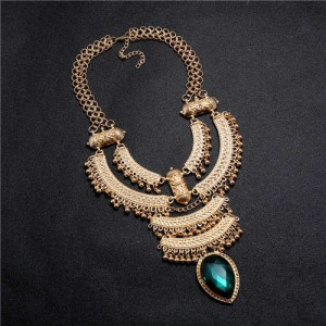 Vintage Engraving Flowers Multi-layer Western Fashion Women Bib Necklace - Golden