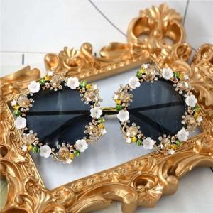 Rhinestone Inlaid Flowers Rimmed Vintage Fashion Women Sunglasses