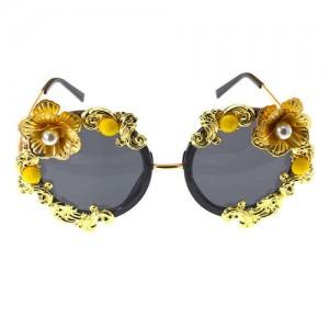 Vintage Golden Flower Decorated High Fashion Women Sunglasses
