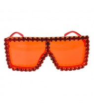 Glistening Rhinestone Rimmed Star Fashion Women Sunglasses - Red