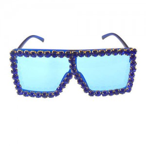 Glistening Rhinestone Rimmed Star Fashion Women Sunglasses - Blue