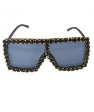 Glistening Rhinestone Rimmed Star Fashion Women Sunglasses - Black