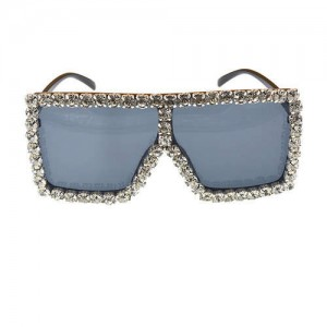 Glistening Rhinestone Rimmed Star Fashion Women Sunglasses - White