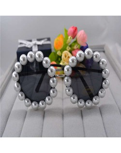 Artificial Pearl Embellished Vintage Fashion Women Black Sunglasses