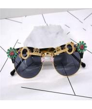 Keys and Flowers Embellished Punk Fashion Women Sunglasses