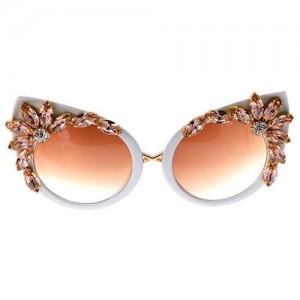 Floral Fashion Rhinestone High Fashion Cat Eye Women Sunglasses