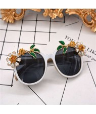 Summer Flowers and Leaves Decorated High Fashion Women Costume Sunglasses