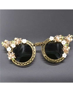Tiny Flowers Embellished Hollow Frame Design Women Party Fashion Sunglasses