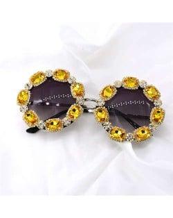 Shining Rhinestone Embellished Round Fashion Women Costume Sunglasses - Yellow