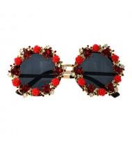 Cute Flowers Vintage Fashion Round Shape Women Costume Sunglasses - Red