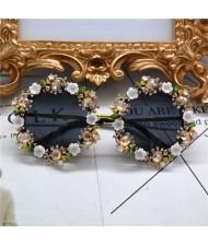 Cute Flowers Vintage Fashion Round Shape Women Costume Sunglasses - White