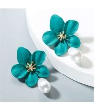 Artificial Pearl Bead Tassel Alloy Women Stud Earrings - Green