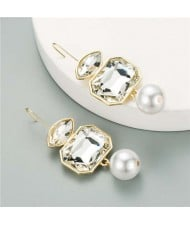 Pearl and Glass Gem Combo Design Hot Sales Women Western Fashion Stud Earrings - White