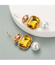 Pearl and Glass Gem Combo Design Hot Sales Women Western Fashion Stud Earrings - Yellow