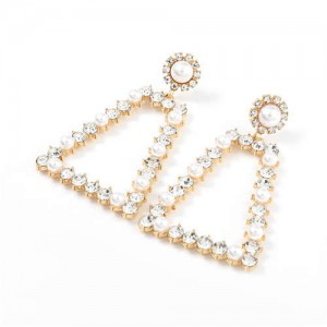 Pearl and Rhinestone Embellished Vintage Trapezoid Women Hollow Wholesale Earrings - Golden