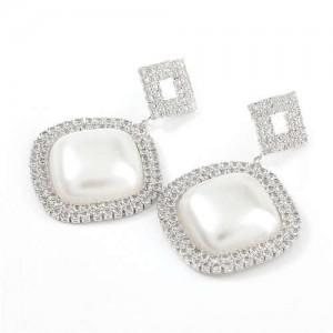 Pearl Embellished Shining Sqaure Vintage Fashion Women Wholesale Costume Earrings - Silver