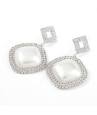 Pearl Embellished Shining Sqaure Vintage Fashion Women Wholesale Costume Earrings - Silver