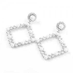 Pearl Inlaid Hollow Rhinestone Rhombus U.S. High Fashion Women Wholesale Earrings - Silver