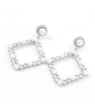 Pearl Inlaid Hollow Rhinestone Rhombus U.S. High Fashion Women Wholesale Earrings - Silver