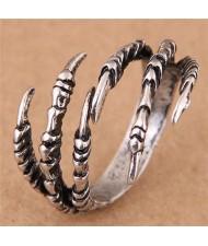 Vintage Eagle Claw Design High Fashion Wholesale Ring