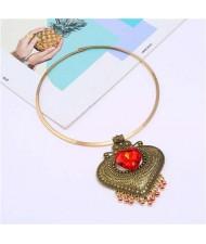 Gem Inlaid Vintage Heart Folk Style Women Wholesale Statement Necklace - Golden