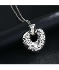 Coarse Texture Vintage Fashion Peach Heart Alloy Women Wholesale Costume Necklace - Silver