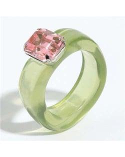 Gem Inlaid Four Claws Design Vintage Fashion Resin Ring - Green