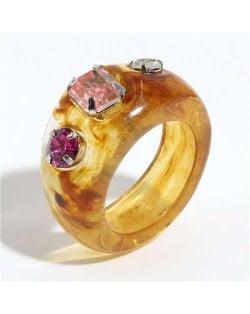 Colorful Gems Embellished Internet Celebrity Choice Vintage Fashion Resin Ring - Yellow