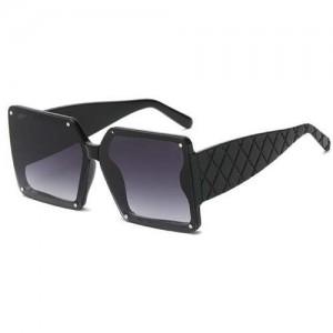 Stylish Bold Square Frame Embossing Design Women Cool Fashion Wholesale Sunglasses - Black