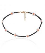 Vintage Ethnic Style Beads Weaving Flower Women Wholesale Necklace - Black