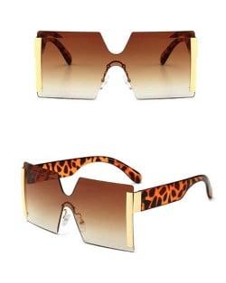 Frameless One-piece Bold U.S. Fashion Wholesale Sunglasses - Brown