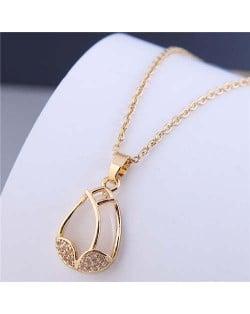 Korean Fashion Rhinestone Decorated Tulip Wholesale Necklace - Golden
