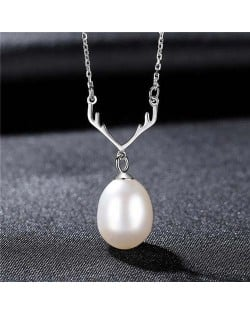 Unique Design Wholesale 925 Sterling Silver Jewelry Lucky Antlers Pearl Pendant Necklace - White