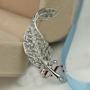 Rhinestone Inlaid Gorgeous Feather 18K Platinum Brooch