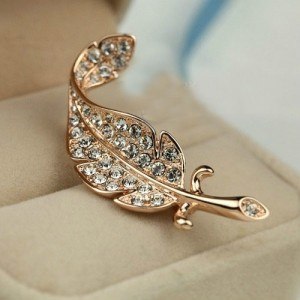 Rhinestone Inlaid Gorgeous Feather 18K Rose Gold Brooch