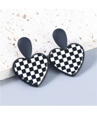 Heart Shape Black and White Checkered Dangle Vintage High Fashion Wholesale Jewelry Women Alloy Earrings