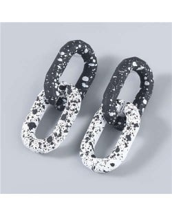Hip-hop Black and White Unique Chain Design Wholesale Jewelry Women Resin Earrings