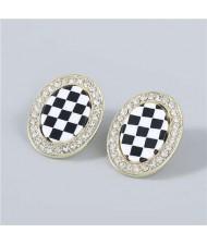 Minimalist Fashion Checkered Wholesale Jewelry Rhinestone Rimmed Vintage Women Ear Studs - Oval