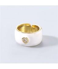 Vintage Rhinestone Inlaid Peach Heart U.S. High Fashion Women Oil-spot Glazed Wholesale Ring - White