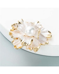 Blooming Flowers Artificial Pearl Inlaid Design Party Fashion Elegant Women Brooch - White