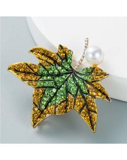 Luxurious Rhinestone Maple Leaf Shape Artificial Pearl Inlaid Women Popular Brooch - Green