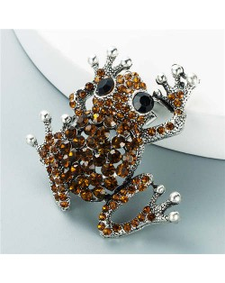 Cute Frog Shining Rhinestone Decorated Design Women Alloy Brooch - Brown